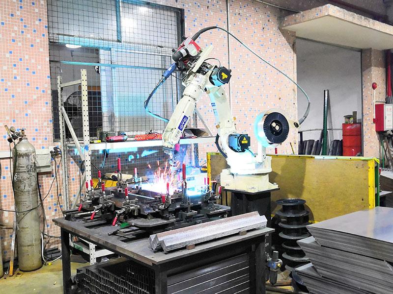 广东润普工具柜生产设备-2