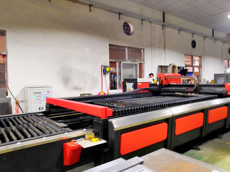 广东润普模具架生产设备-2